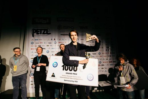 """Magic Mountain"" - Grand Prix 14. KFG, director Anca Damian. Tomasz Ducki - responsible for animation is recieving the Award (fot. Adam Kokot / KFG)"